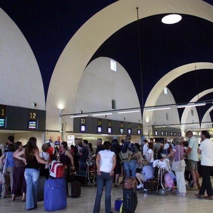 Programados 6.297 vuelos en Semana Santa en aeropuertos andaluces con más de un millón de asientos