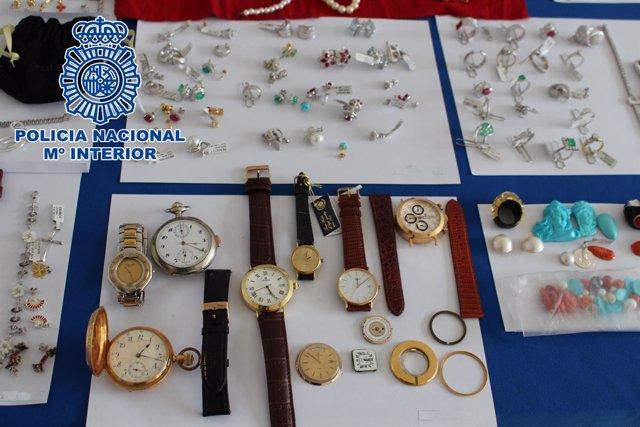 Objetos robados en una joyería de la 'milla de oro'