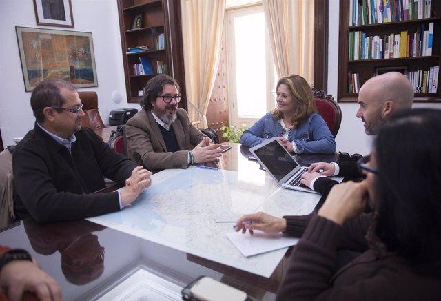 Reunión entre la Diputación de Cádiz con Acreditra