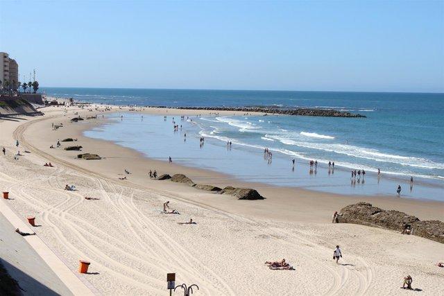 Playa Urbana En Cádiz Capital