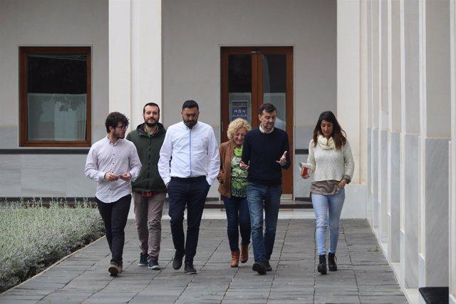 Reunión de IU para abordar la moción sobre Linares (Jaén)