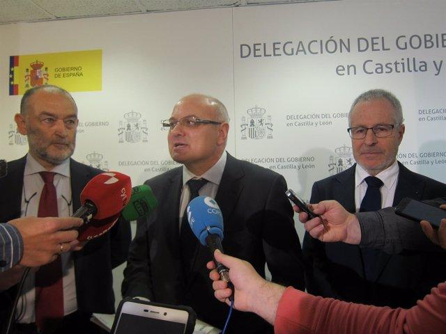 Rodríguez, Gomez Iglesias (centro) y Álvarez.