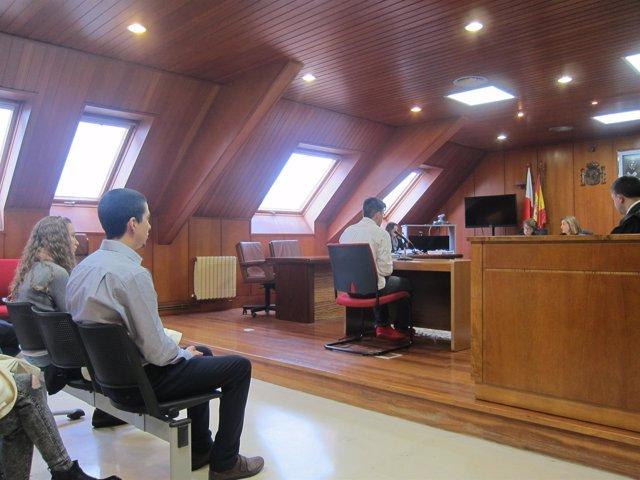 Acusados por la muerte del tendero chino declarando en el juicio