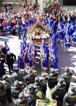 La Guardia Civil escolta el paso del Cristo del Amor en su procesión del Viernes