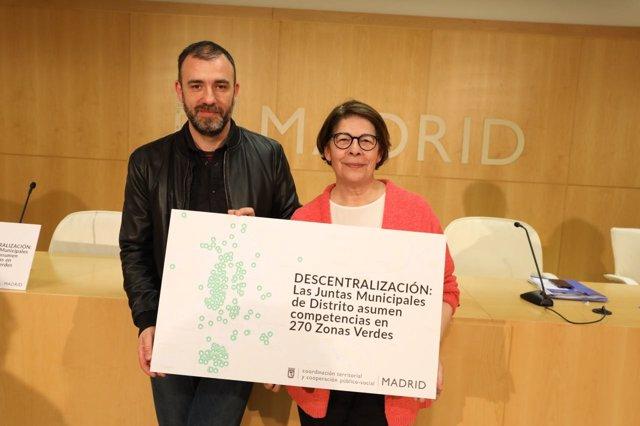 Los concejales de Ahora Madrid Nacho Murgui e Inés Sabanés