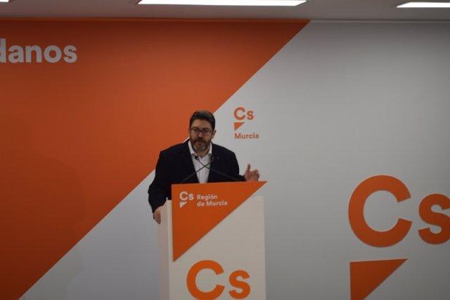 Imagen de Miguel Sánchez en la rueda de prensa