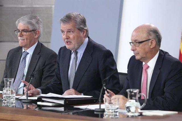 Rueda de prensa de Dastis, Méndez de Vigo y Montoro tras el Consejo de Ministros