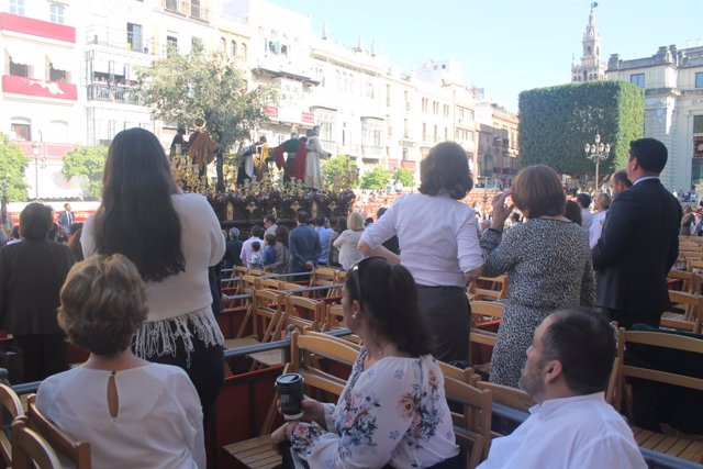 Palco de Semana Santa en Sevilla