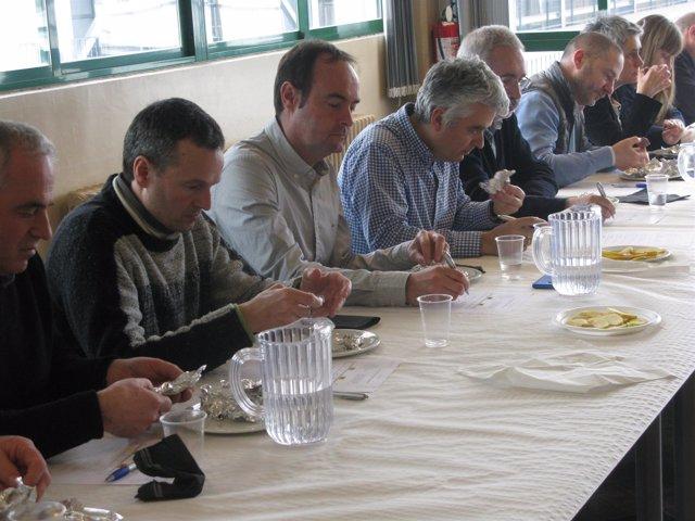 Participantes en la cata de carne de Betizu