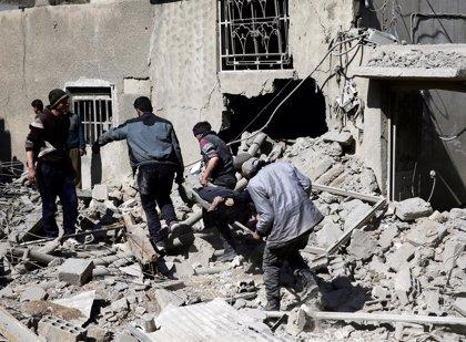 Mueren 37 personas y 80 resultan heridas en un bombardeo contra un refugio subterráneo en Ghuta Oriental