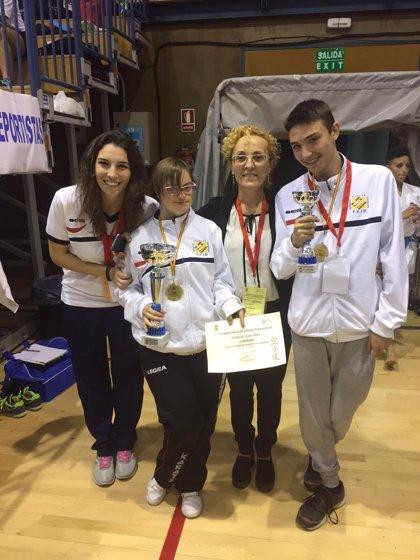 Quince competidores de Baleares participan en el campeonato de España Senior de para-karate y karate