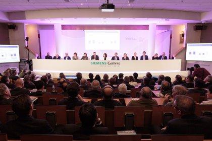 """Siemens Gamesa dice a los sindicatos que no prevé deslocalizar la actividad de I+D+I y """"no hay debate"""" al respecto"""