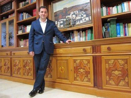El delegado de Educación en Córdoba aclara al AMPA del CEIP Algafequi que no se ha suprimido ninguna unidad