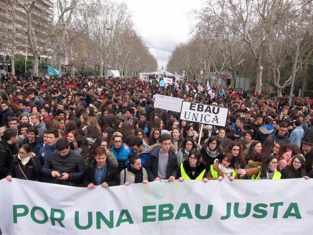 Manifestación por una EBAU única Valladolid 23-03-2018