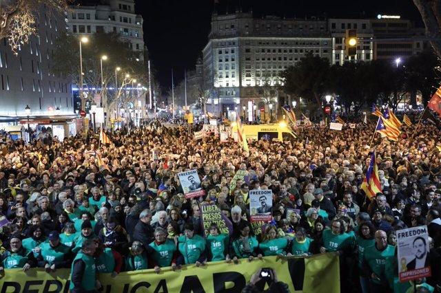 Manifestación en plaza Catalunya por los presos soberanistas