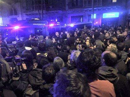 Cinco heridos leves en las cargas en la zona de la Delegación del Gobierno en Barcelona