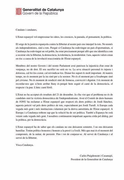 """Carles Puigdemont pide firmeza, serenidad y la implicación de """"todos"""" frente al Estado"""