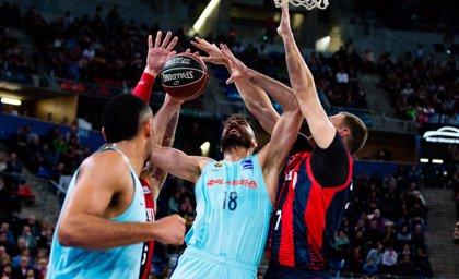 Baskonia asalta el Palau y se pone a tiro de 'playoff'