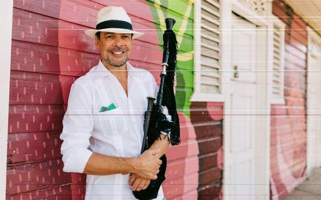 Hevia: 'He conseguido que en República Dominicana bailen merengue tocado con una gaita'