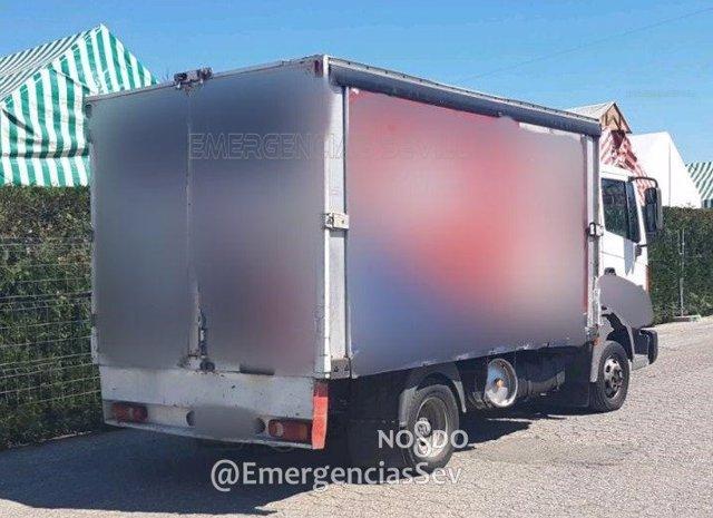 Camión inmovilizado en Sevilla