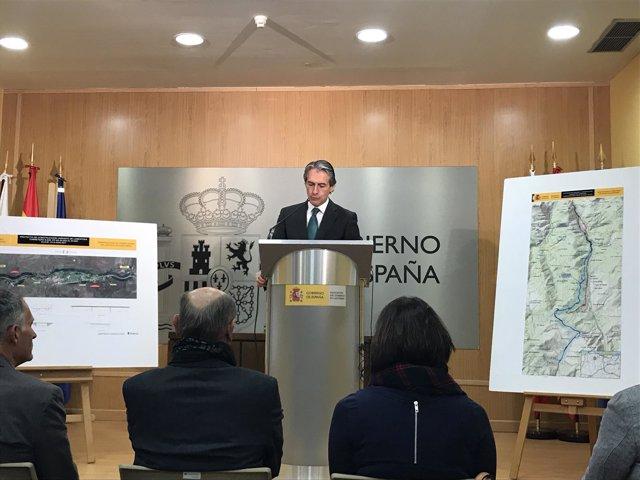 El ministro de Fomento presenta el proyecto de la variante de Lanestosa