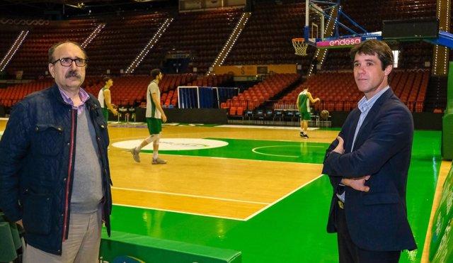 El edil de Deportes de Sevill, David Guevara, y el gerente del IMD, Manuel Nieto