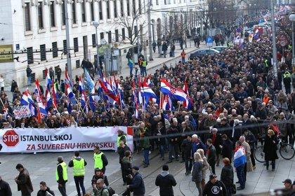 """Protesta católica en Croacia contra un tratado internacional que reconoce el género como un """"rol social"""""""