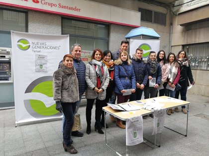 NNGG recoge firmas en Teruel a favor de la prisión permanente revisable