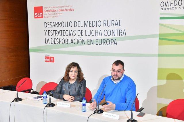 Adrián Barbón e Iratxe García.