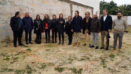 Armengol visita un solar de Sant Lluís (Menorca) en el que se construirán cuatro viviendas de protección oficial