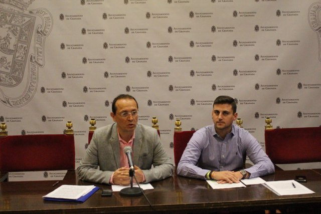 Los concejales del PP en el Ayuntamiento Fernando Egea y Rafael Caracuel