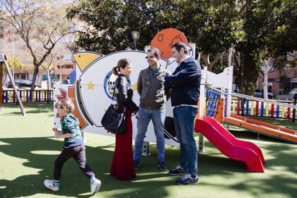 La plaza de Gaudí en el barrio de San Luis acoge el primer parque inclusivo que se va a adaptar en Almería