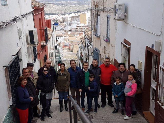 Visita del PSOE a la calle Alegría de Jaén
