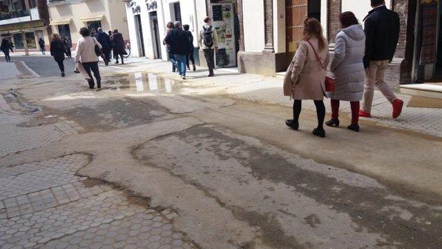 El PP critica el estado de la calle Amor de Dios de Sevilla