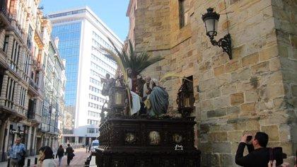 Más de 900 cofrades participan este domingo en la Procesión del Borriquito de Bilbao