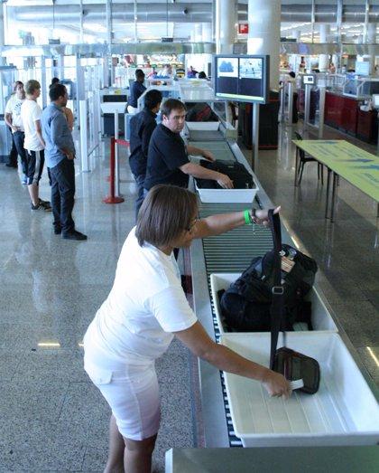 Un total de 77.777 pasajeros circulan por los aeropuertos de Baleares este sábado
