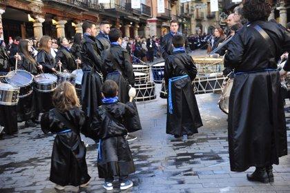 Las bandas de las cofradías turolenses participan en el acto de exaltación de los instrumentos