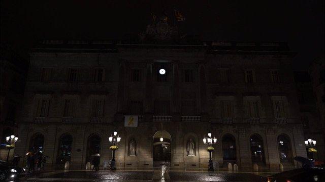 El Ayuntamiento de Barcelona se suma a La Hora del Planeta apagando luces