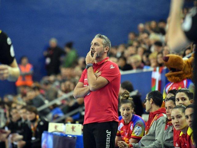 Carlos Viver, seleccionador español de balonmano - Guerreras