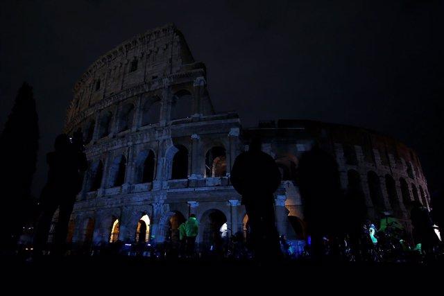 El Coliseo de Roma durante la Hora del Planeta