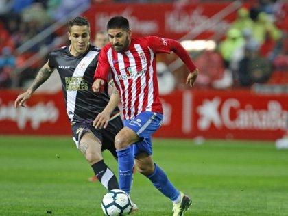 El Sporting frena al Rayo y se mete de lleno en la pelea por el ascenso directo