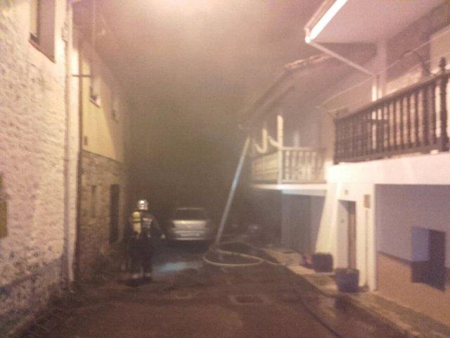 Incendio de la casa del fallecido en Selaya