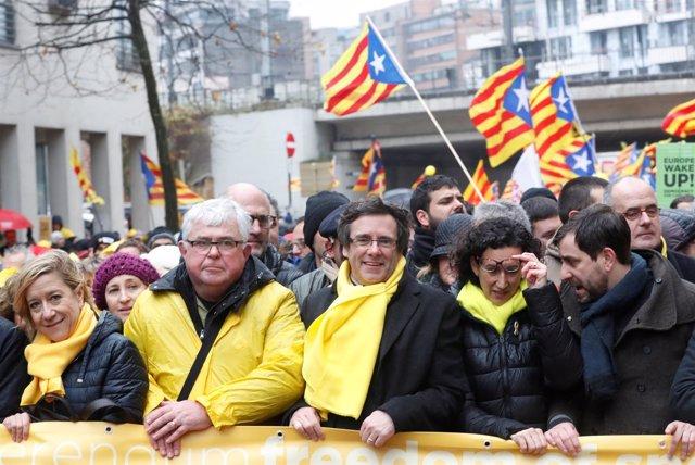 Puigdemont en la manifestación de Bruselas