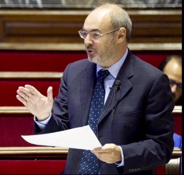 Eusebio Monzó en un pleno del Ayuntamiento de València