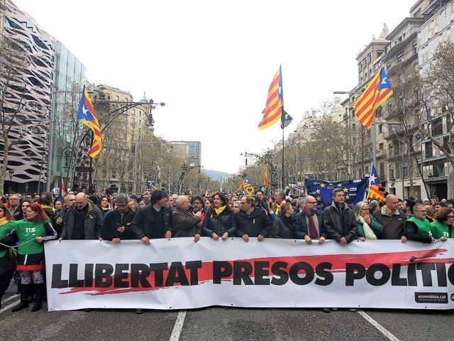 Manifestación contra la detención de Carles Puigdemont
