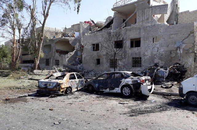 Coches dañados por la explosión en Damasco