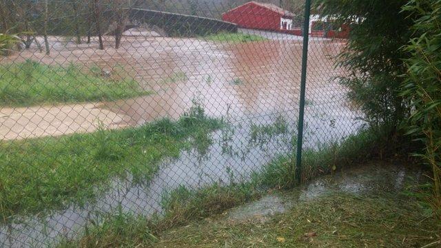Inundación en Villaviciosa, tras desbordamiento del río.