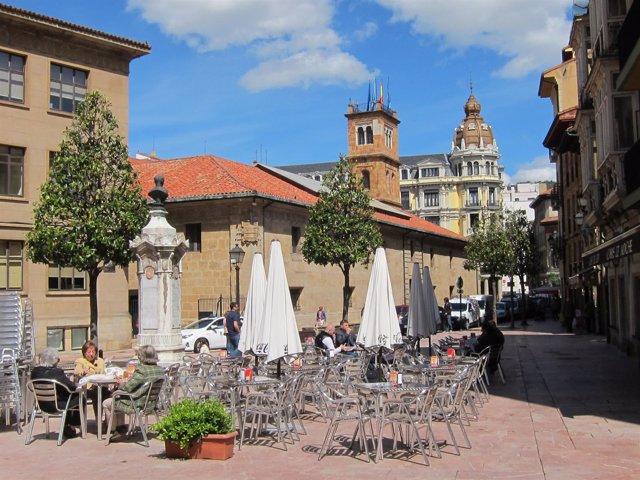 Imagen de archivo de una terraza en Oviedo
