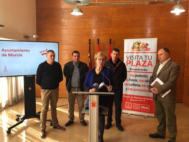 Maruja Pelegrín presenta la nueva campaña de la Federación de Plazas de Abastos