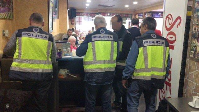 Actuación de la Policía en el bingo ilegal de Benidorm